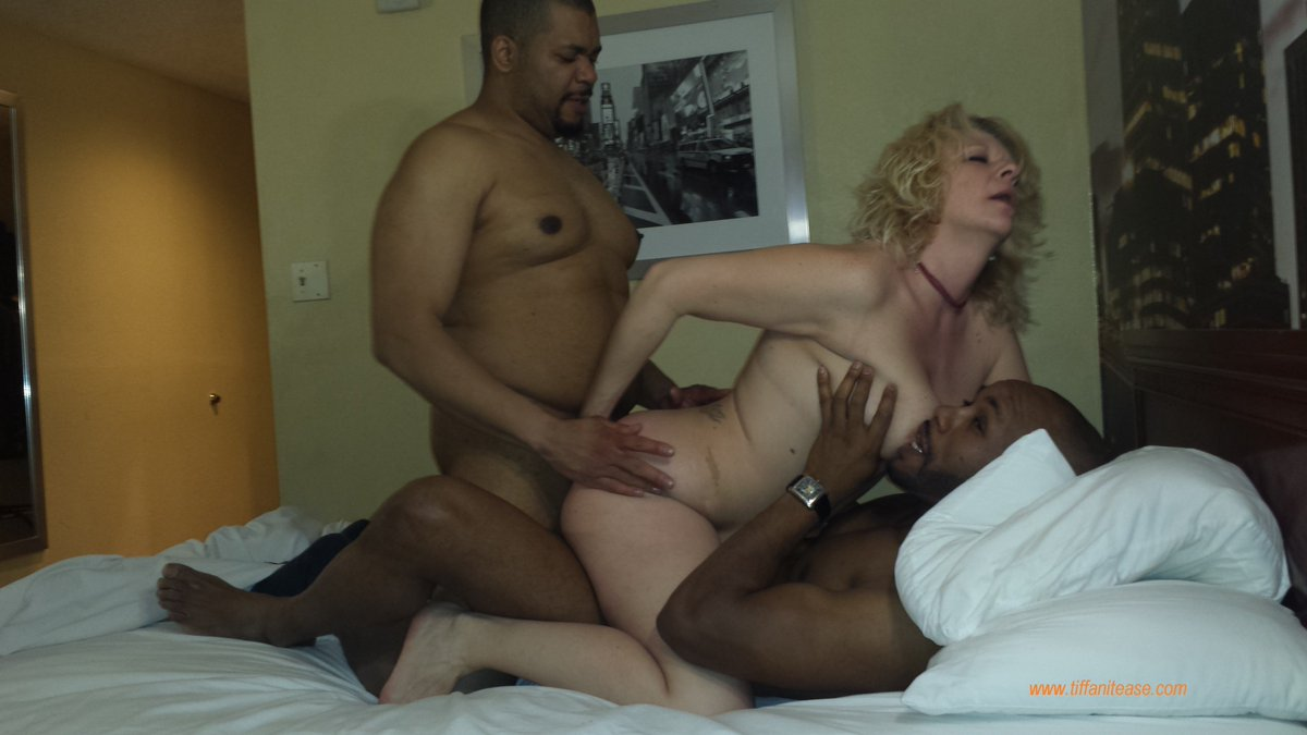 Hot milf long distance shot - 3 part 7